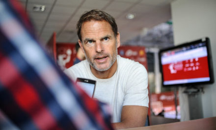 Frank de Boer – international football star cheers Holland on